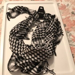 NWT Plaid Scarf